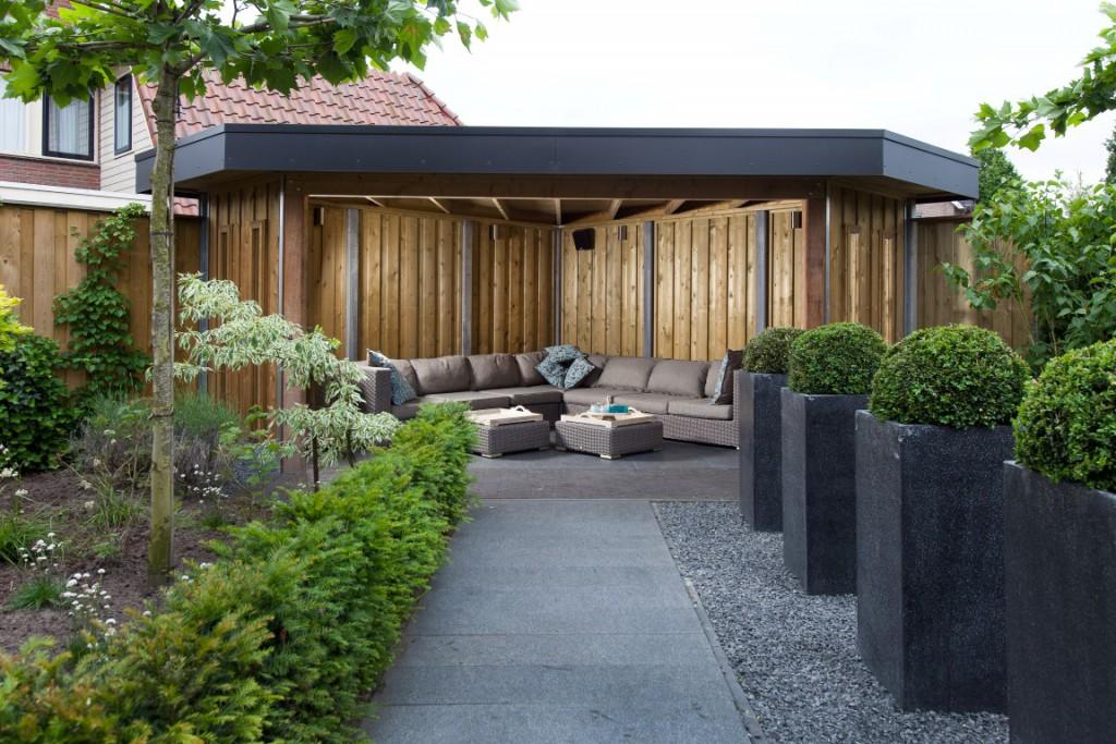 Kapschuurmodel met geimpregneerd hout en dak shingels